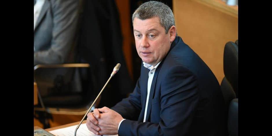 Suspicion de fraude à Neufchâteau : la chambre du conseil de Mons examinera le dossier en mars