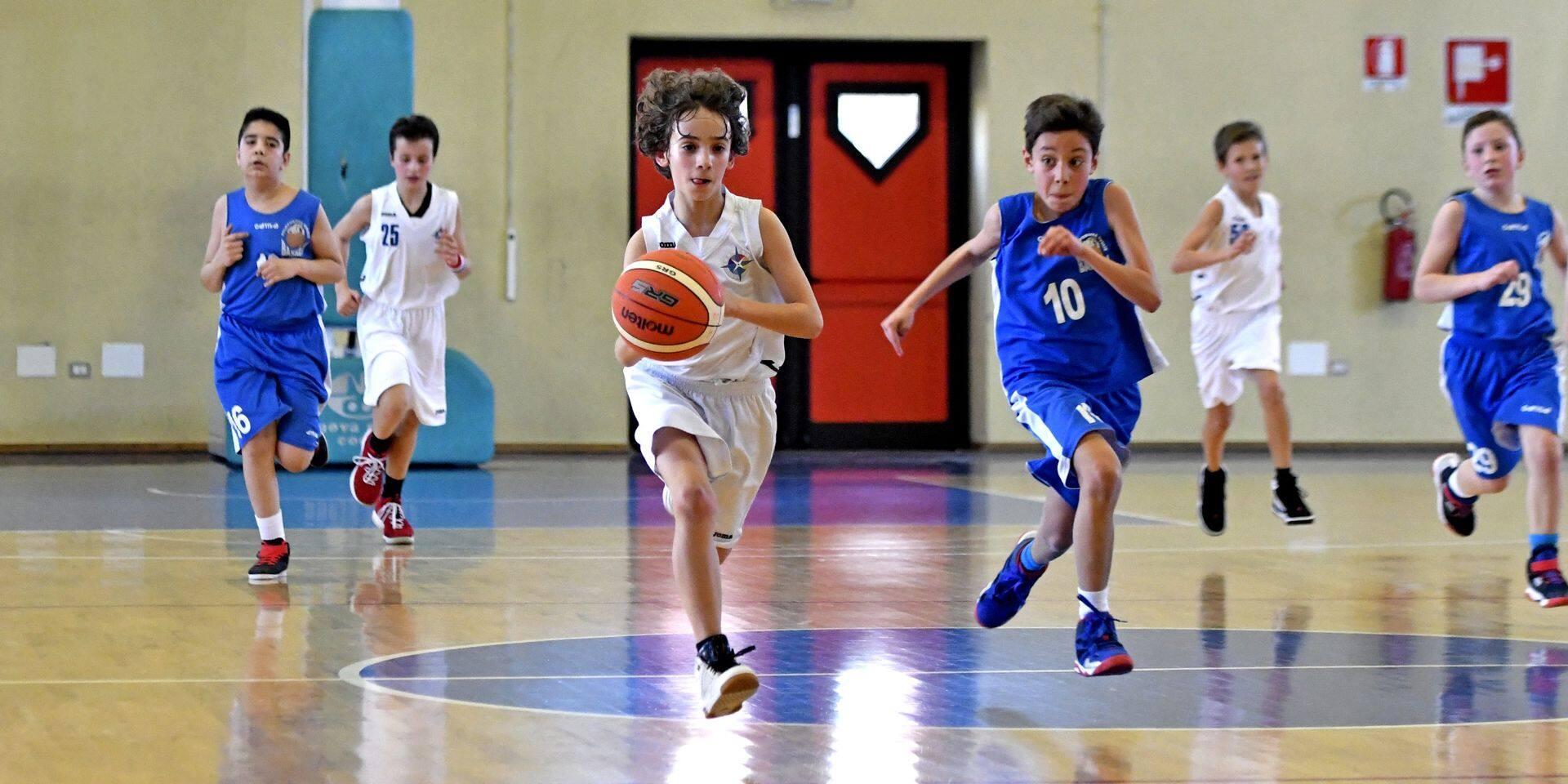 Plus de sport indoor en club pour les moins de 13 ans