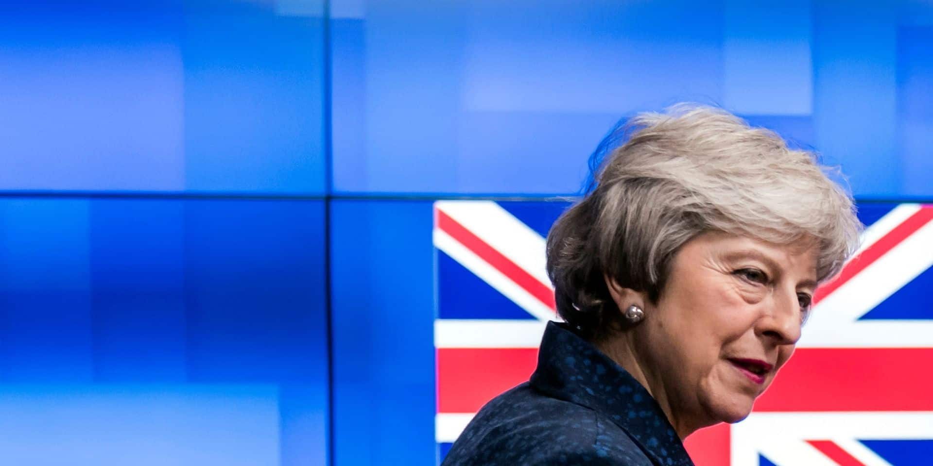 Brexit: Theresa May veut jouer les prolongations