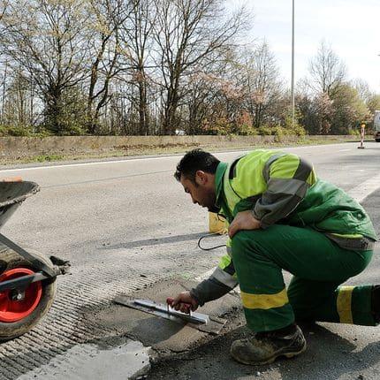 Wallonie reparation autoroute route travaux traffic routier circulation chantier ouvrier danger securite signalisation travail