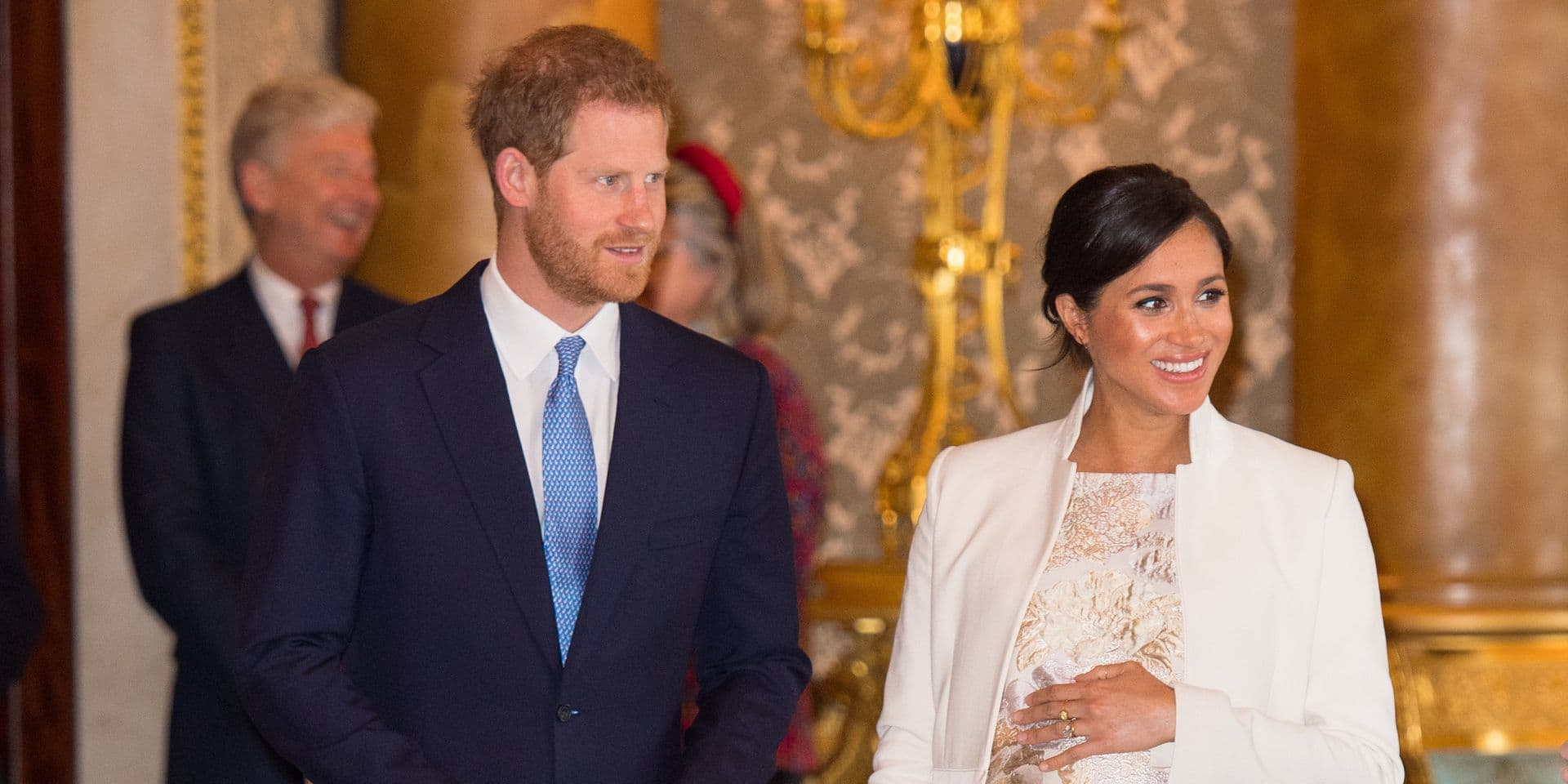 """Buckingham Palace confirme: Harry et Meghan veulent garder """"privée"""" la naissance de leur bébé"""
