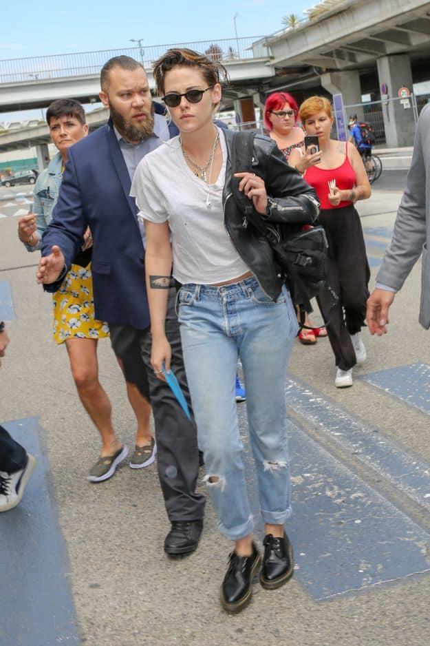 Membre du jury cette année, l'actrice de 28 ans est arrivée avec le look rock'n'roll qu'elle affectionne et chaussée de creepers Doc Martens.