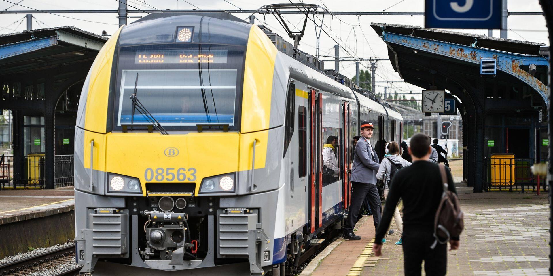 Circulation des trains interrompue entre Bruxelles-Midi et Bruxelles-Nord: des retards et suppressions possibles