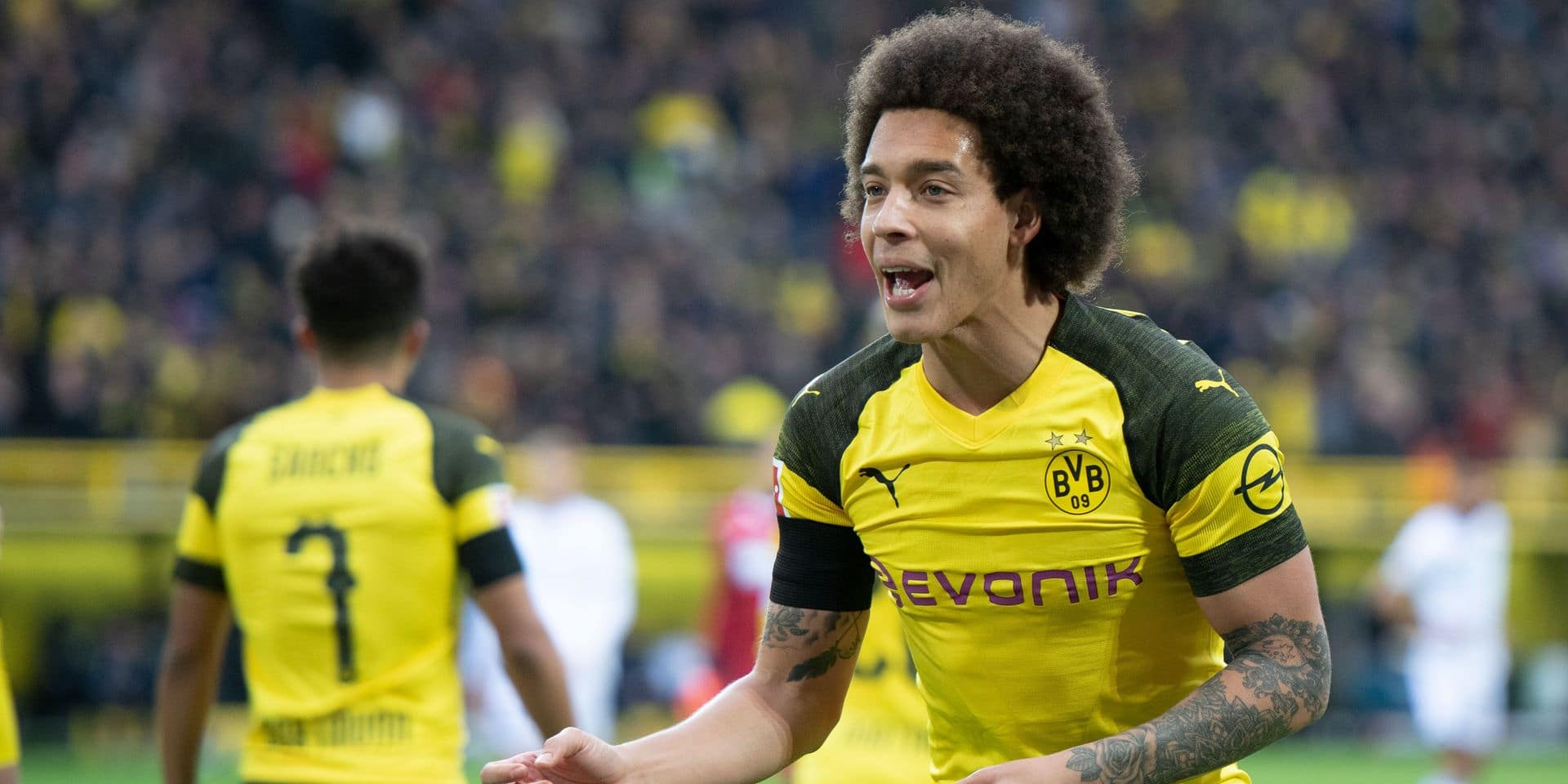 09 February 2019, North Rhine-Westphalia, Dortmund: Soccer: Bundesliga, Borussia Dortmund - 1899 Hoffenheim, 21st matchday at Signal Iduna Park: Dortmund's Axel Witsel. Photo: Bernd Thissen/dpa - IMPORTANT NOTE: In accordance with the requirements of the DFL Deutsche Fußball Liga or the DFB Deutscher Fußball-Bund, it is prohibited to use or have used photographs taken in the stadium and/or the match in the form of sequence images and/or video-like photo sequences. Reporters / DPA