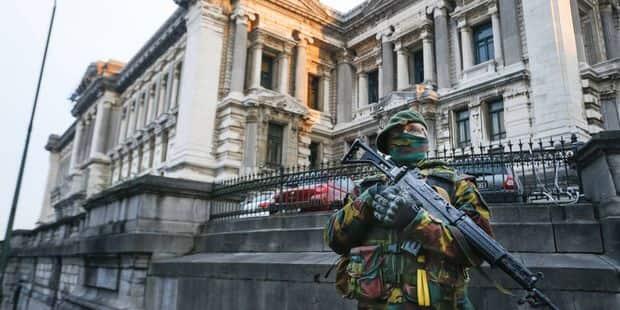 Le nombre de militaires en rues réduit à 550 par le gouvernement - La Libre