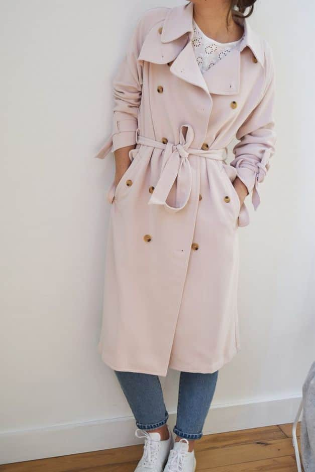 Romantique. Trench rose pâle                            Mama is cool , 149 €