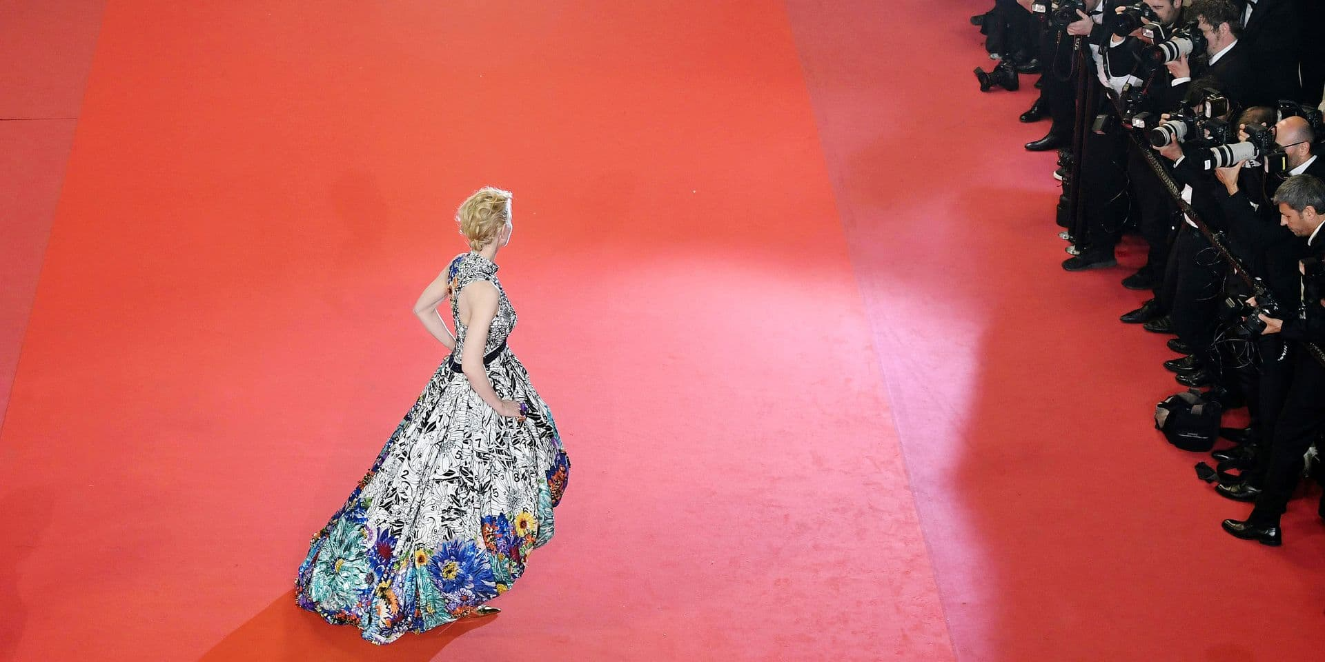 """Australian actress and President of the Jury Cate Blanchett poses as she arrives on May 10, 2018 for the screening of the film """"Cold War (Zimna Wojna)"""" at the 71st edition of the Cannes Film Festival in Cannes, southern France. / AFP PHOTO / Antonin THUILLIER"""