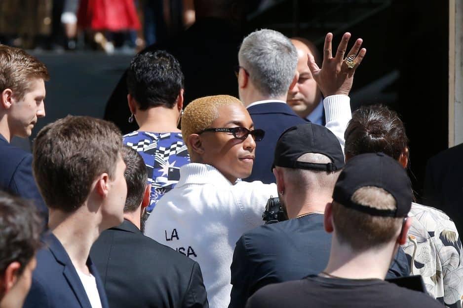Elles ont rejoint Pharrel Williams, autre habitué des défilés Chanel.