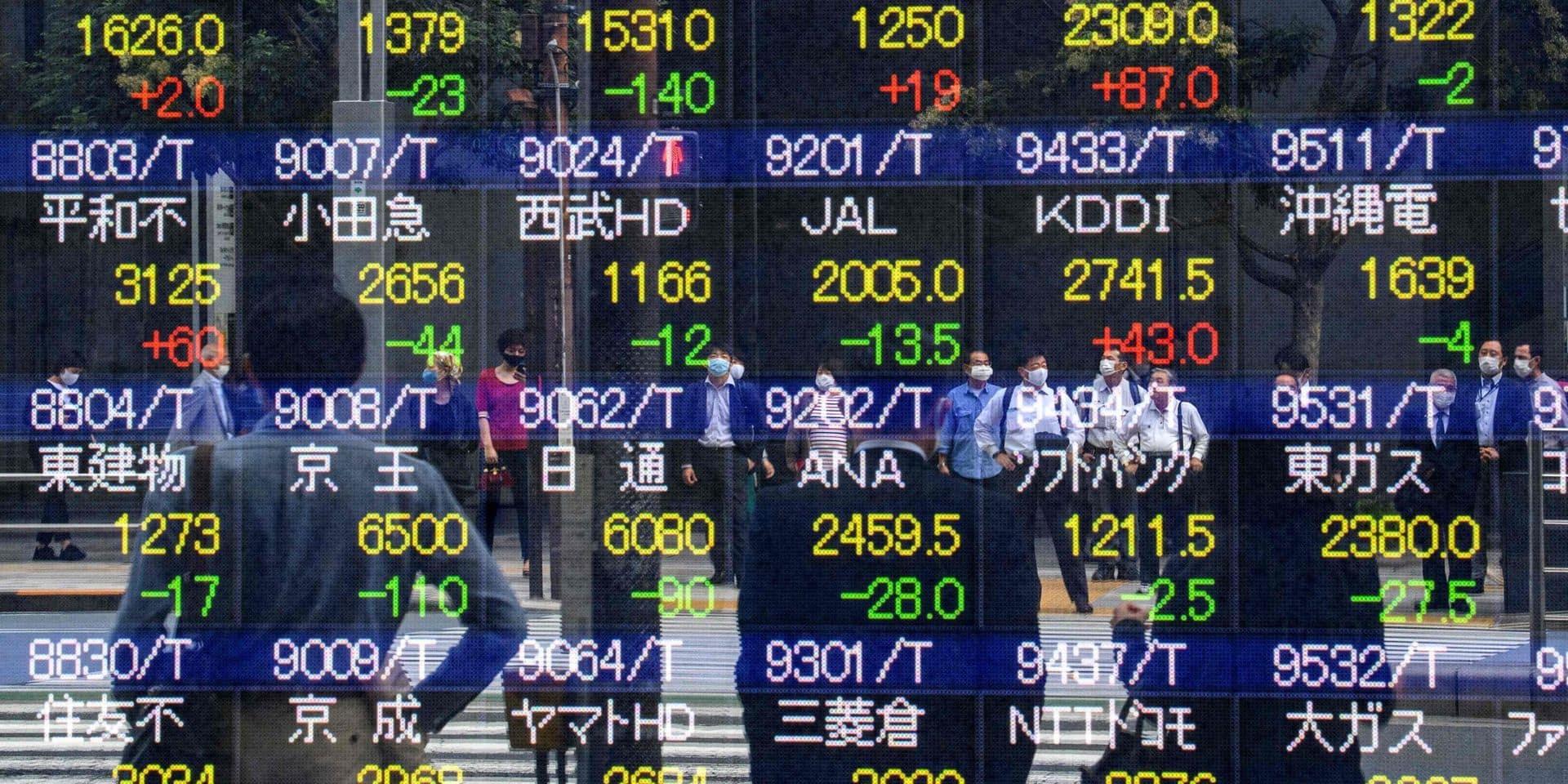 La Bourse de Tokyo finit dans le rouge, les perspectives d'un accord américain s'amenuisent