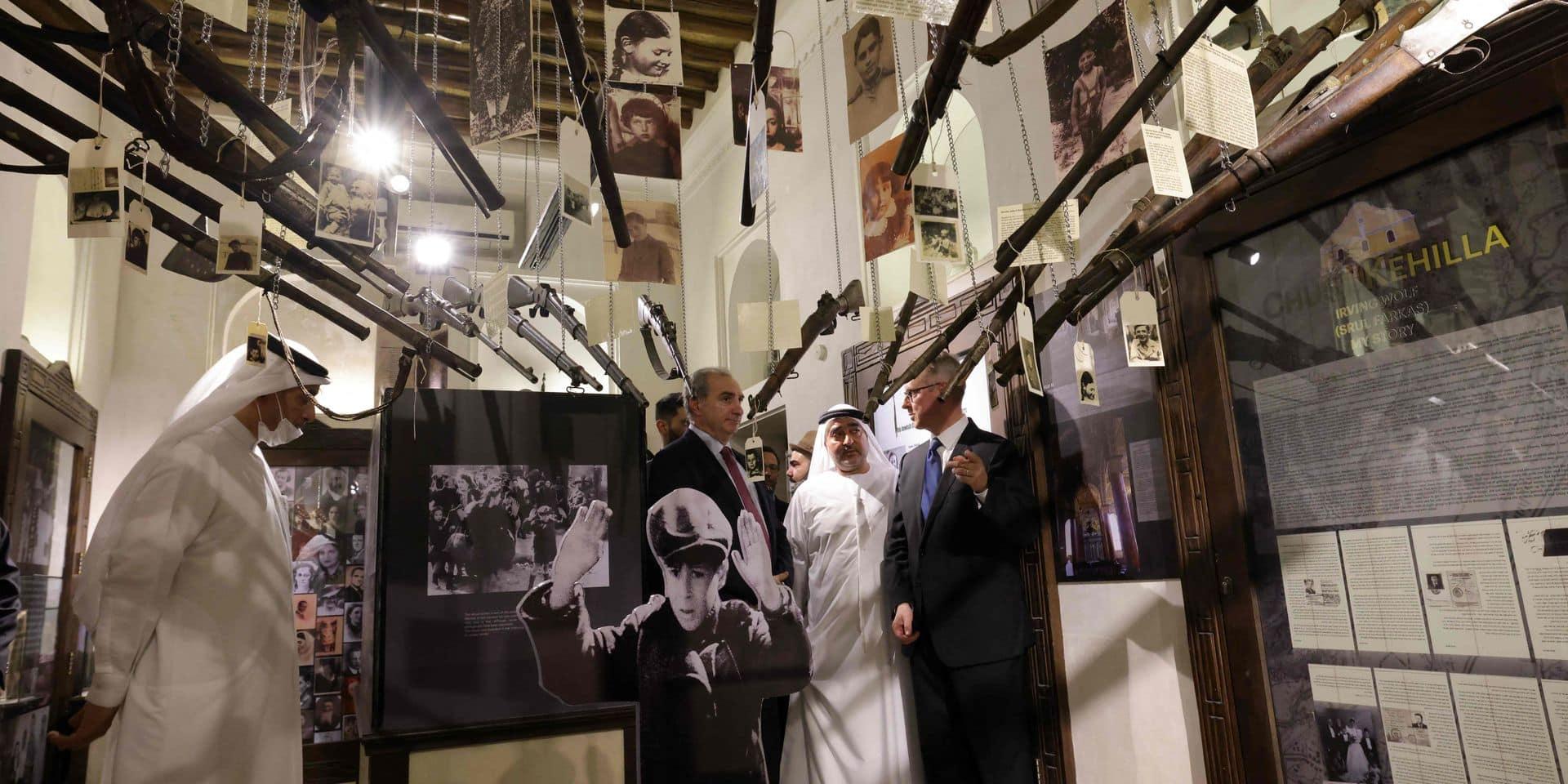 L'ambassadeur d'Israël aux Emirats visite l'exposition commémorant l'Holocauste au Musée de la rencontre des civilisations, à Dubaï.