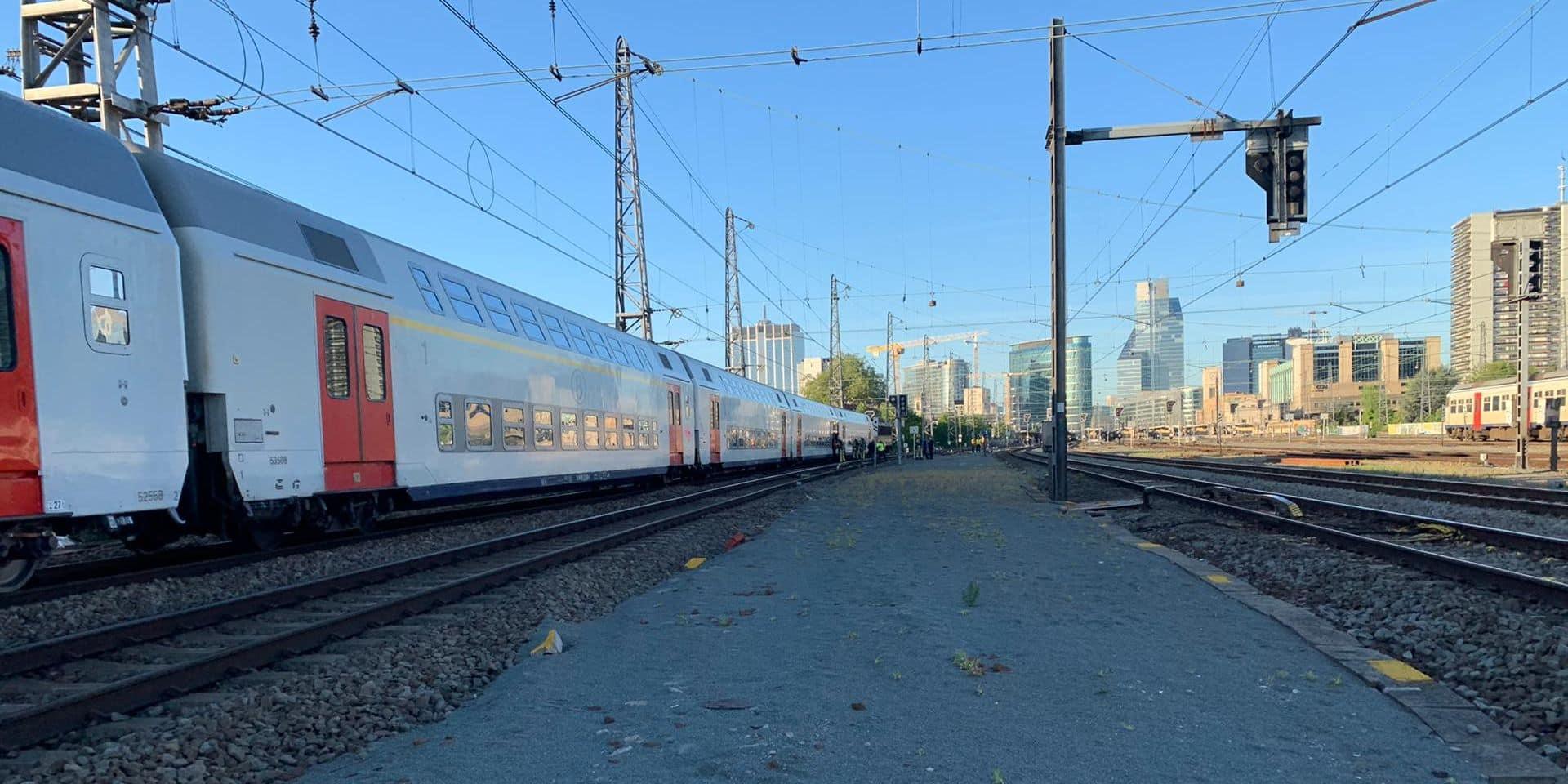 Pagaille sur le rail à cause d'un incendie, la SNCB adapte ses horaires pour la journée