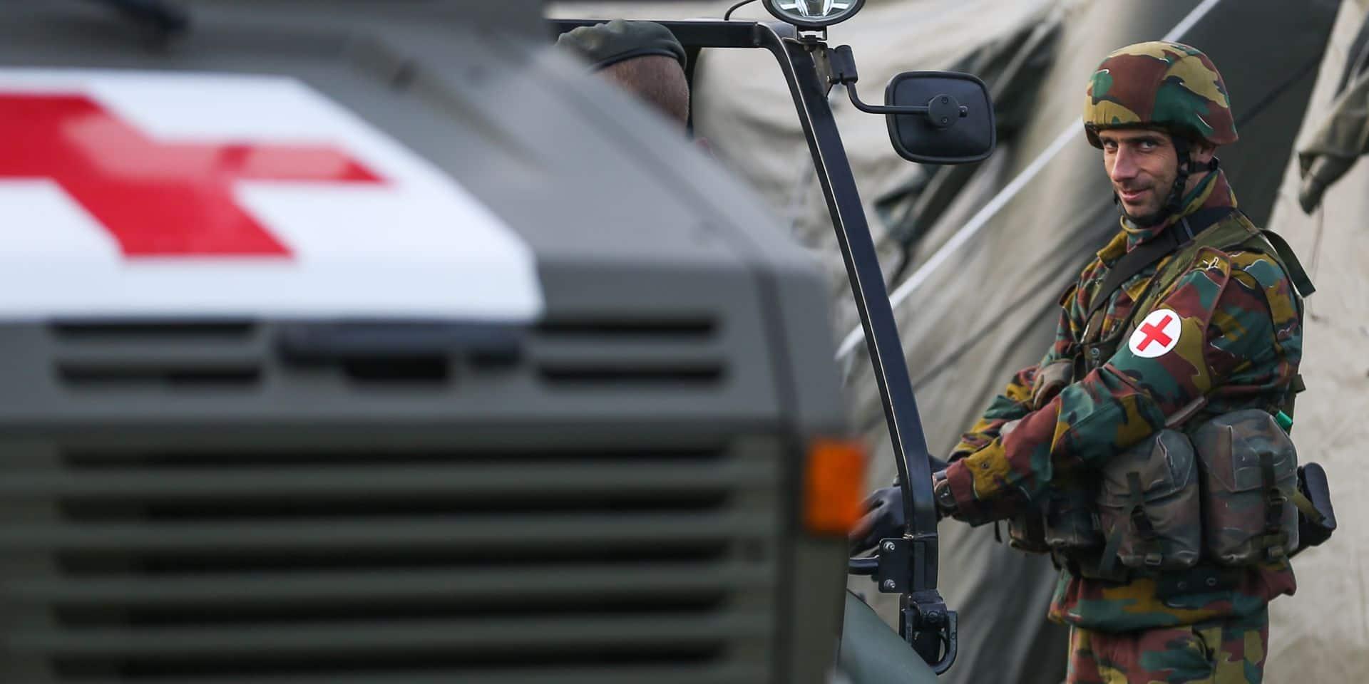 En coulisses, l'armée se prépare à voler au secours des hôpitaux