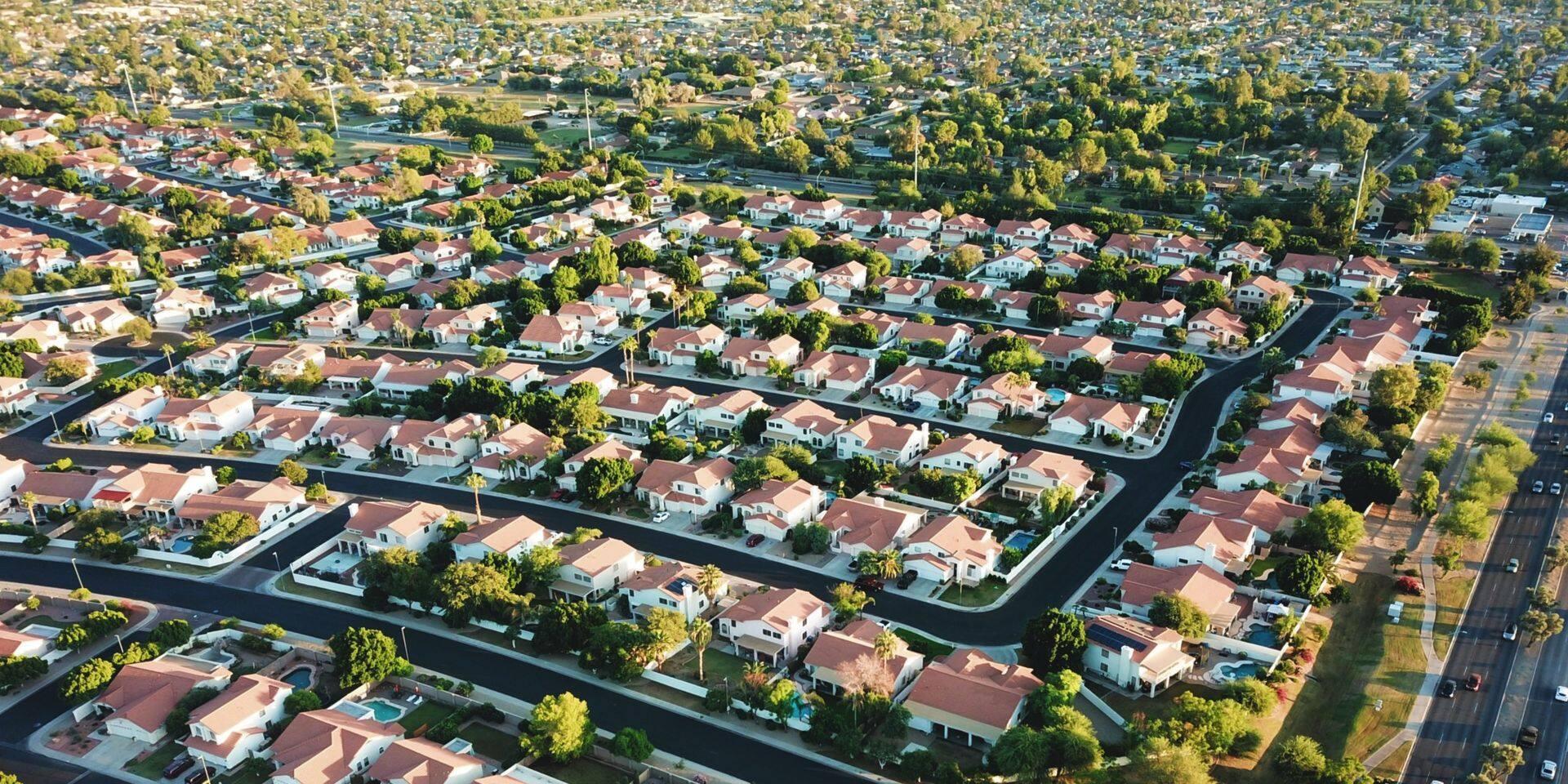 """Les démocrates vont-ils """"ruiner les banlieues"""" comme l'affirme Donald Trump ?"""