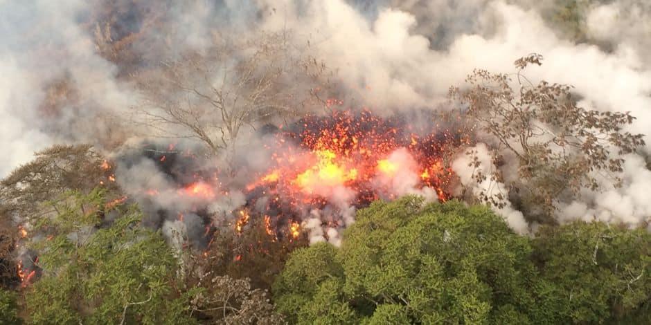 Explosions volcaniques et nuage de cendres: Hawaï en alerte rouge