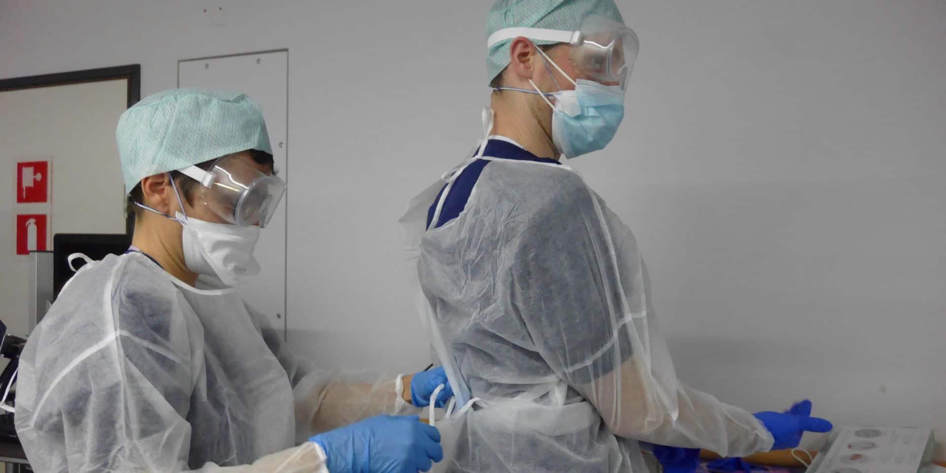 """Nouvelle variante du virus: l'OMS appelle l'Europe à """"renforcer les contrôles"""""""