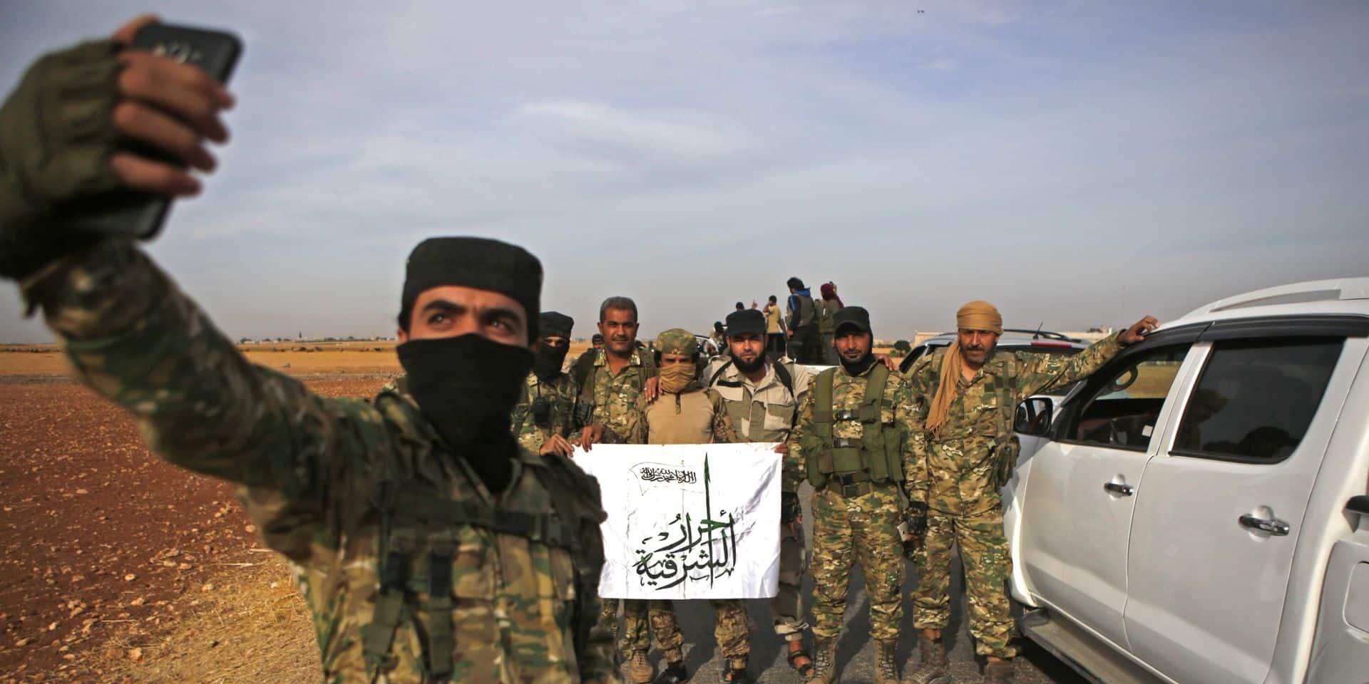 (Cette photo AFP représente l'un des groupes de miliciens accompagnant l'offensive turque, mais pas celui qui est mentionné dans l'article, ndlr).