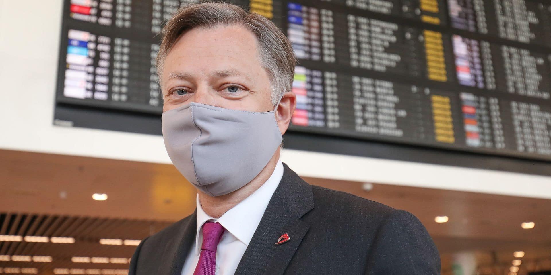 """""""Pourquoi peut-on partir d'Amsterdam à Montréal et pas de Bruxelles?"""""""