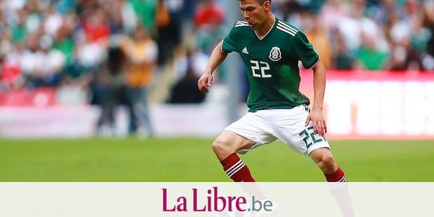 MEXICO CITY, MEXICO - JUNE 02: Hirving Lozano of Mexico drives the ball during the International Friendly match between Mexico v Scotland at Estadio Azteca on June 2, 2018 in Mexico City, Mexico. Hector Vivas/Getty Images/AFP == FOR NEWSPAPERS, INTERNET, TELCOS & TELEVISION USE ONLY ==