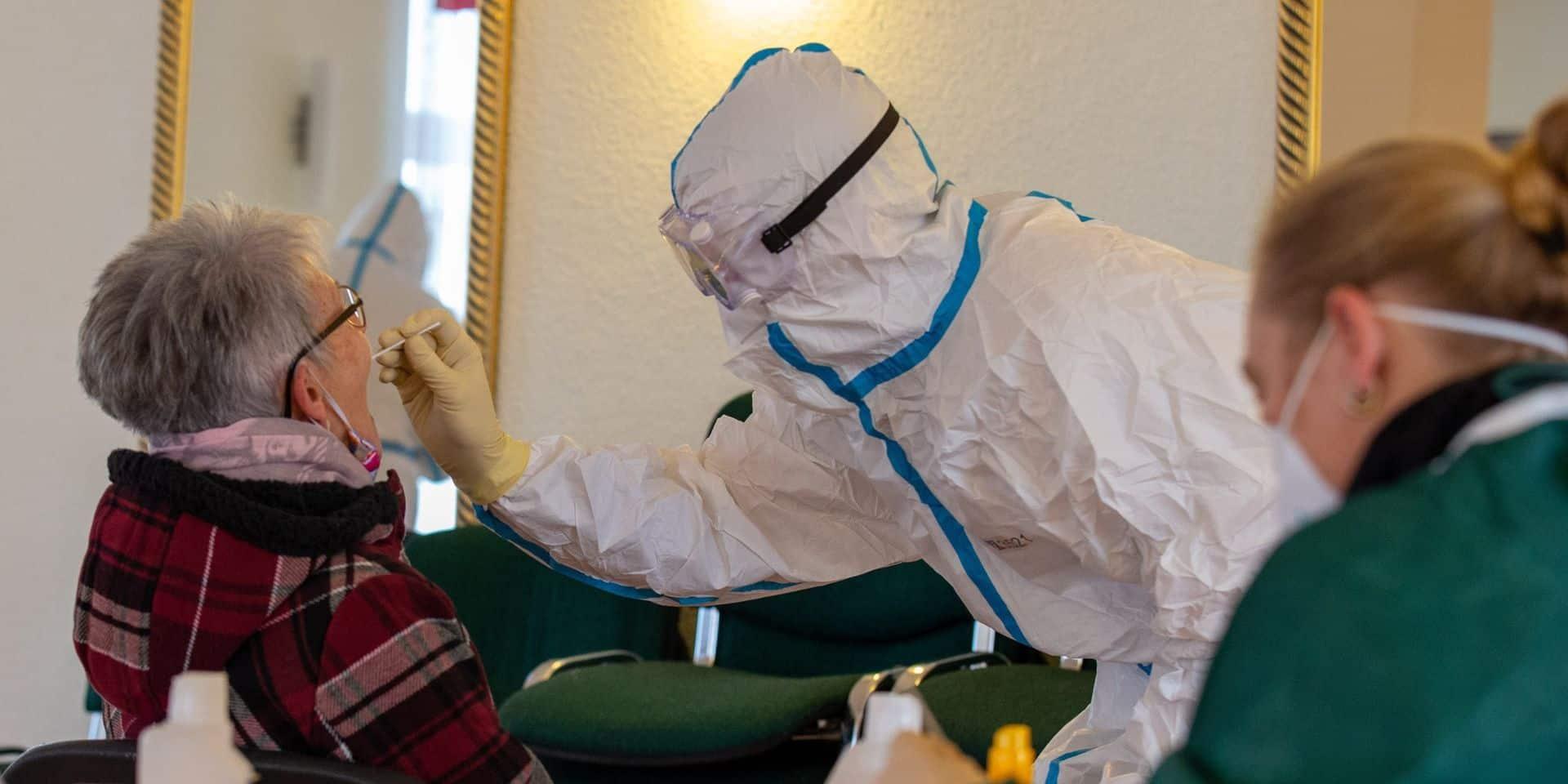 Coronavirus: plus de 60.000 morts du Covid-19 en France, l'Autriche reconfinera après Noël