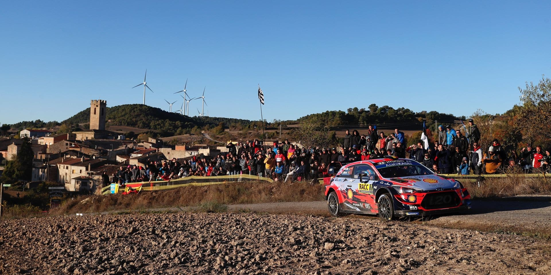 WRC Espagne: Neuville s'envole, Meeke abandonne, Loeb et Sordo doivent surveiller le retour de Tanak
