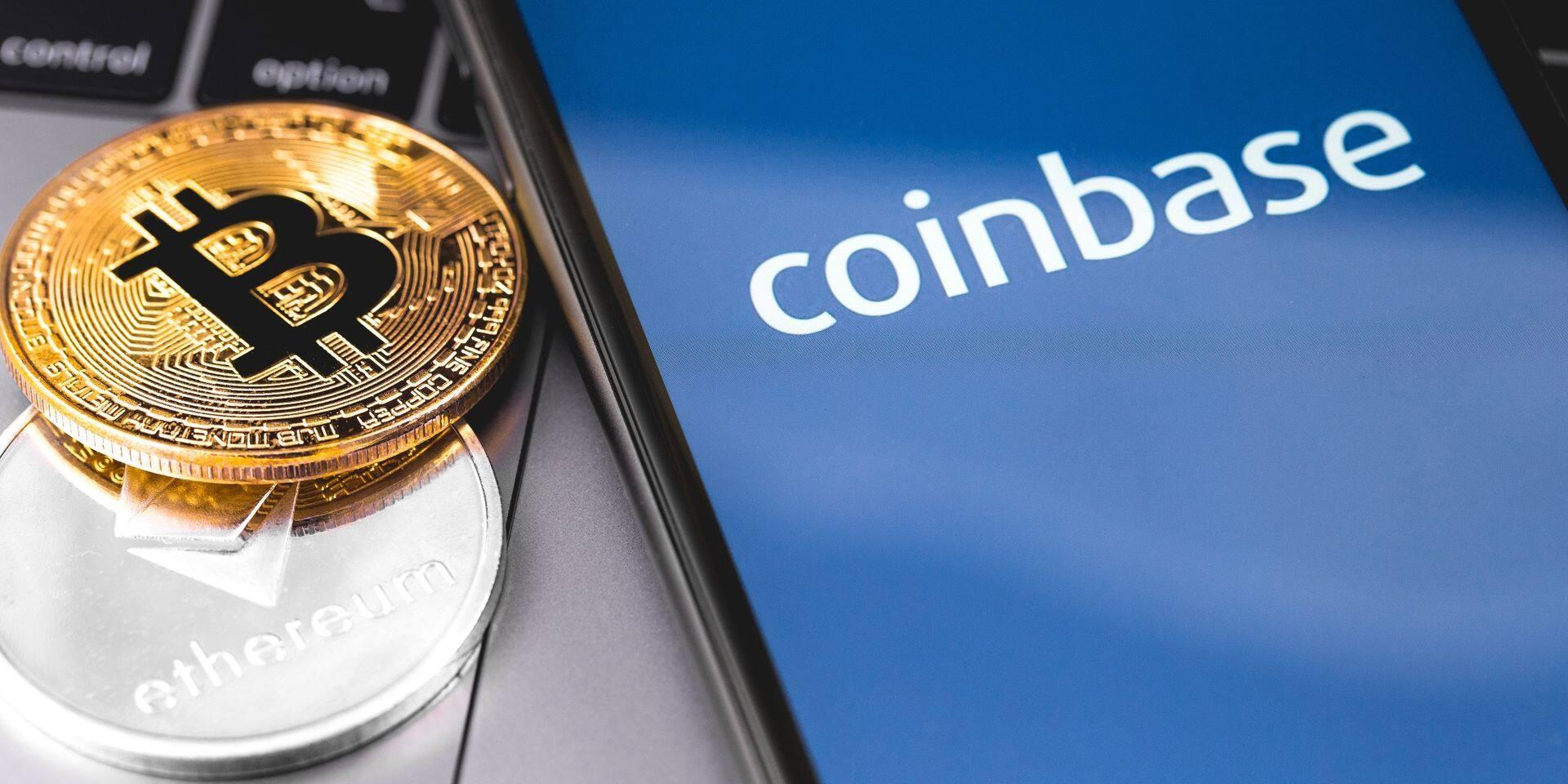 Coinbase, première entreprise entièrement consacrée aux cryptomonnaies à entrer en Bourse, flambe à Wall Street
