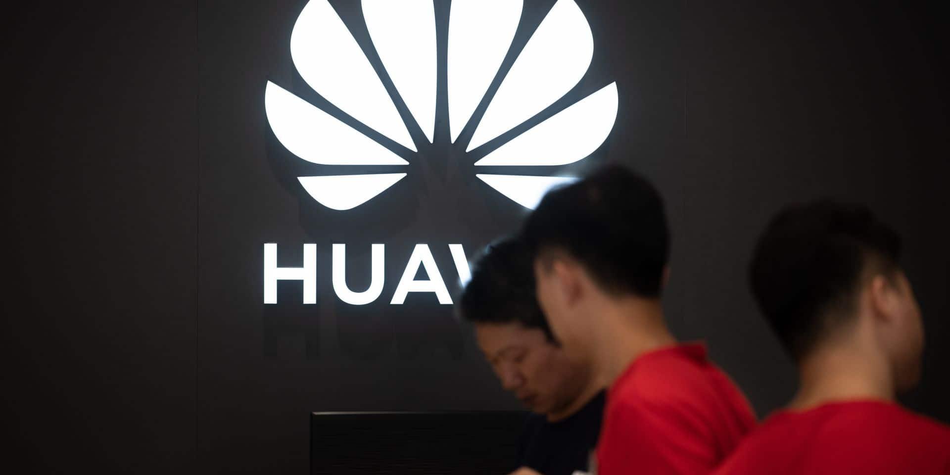 Smartphones: Huawei accuse le coup en Europe (étude)