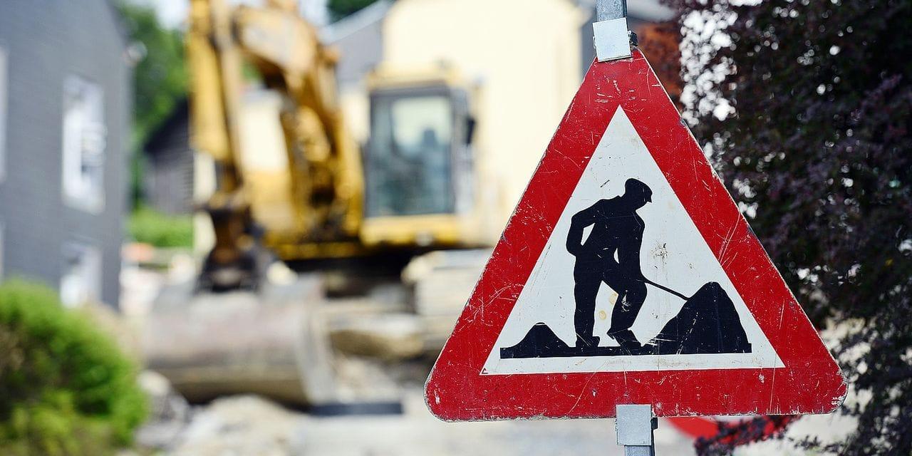 Travaux route chantier routier commune voirie égouts canalisation circulation bus Tec transport asphalte