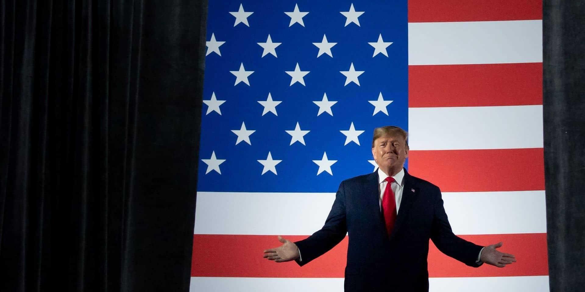 """Tensions dans la famille royale britannique: Trump exprime sa """"tristesse"""""""
