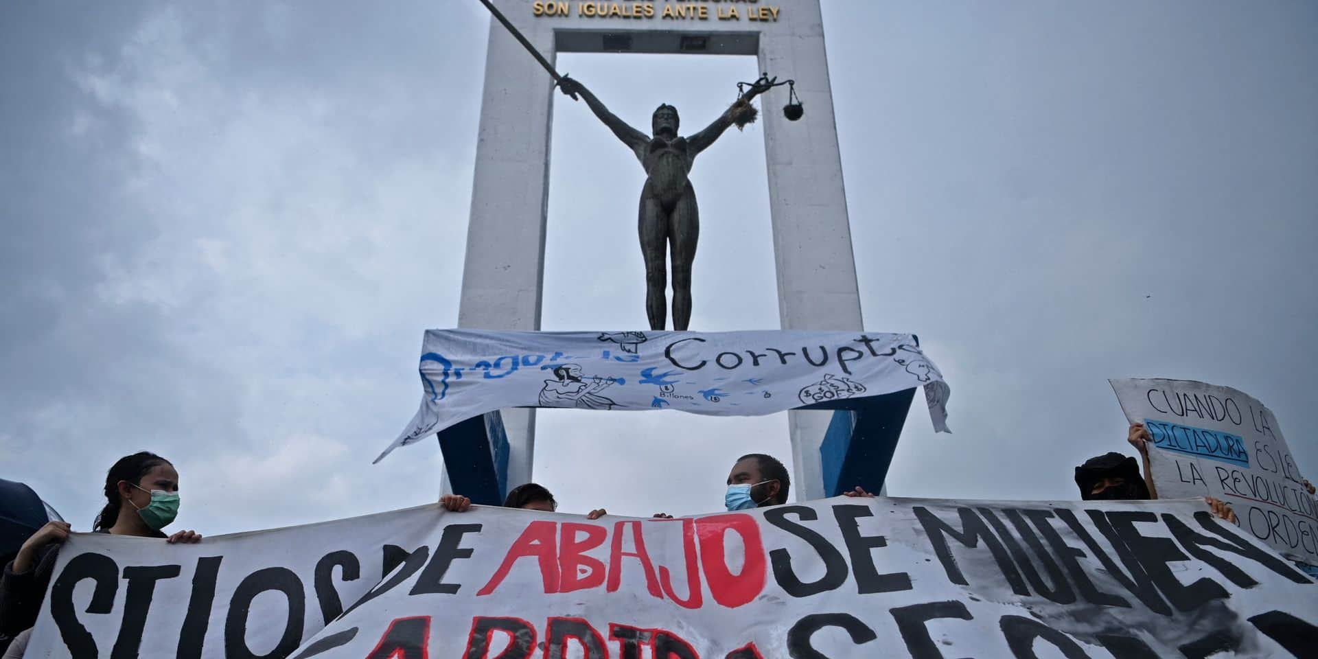 Coup de force contre le pouvoir judiciaire au Salvador