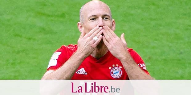 18 May 2019, Bavaria, Munich: Soccer: Bundesliga, Bayern Munich - Eintracht Frankfurt, 34th matchday in the Allianz Arena. Arjen Robben cheers over his goal to 5-1. Photo: Sven Hoppe/dpa - IMPORTANT NOTE: In accordance with the requirements of the DFL Deutsche Fußball Liga or the DFB Deutscher Fußball-Bund, it is prohibited to use or have used photographs taken in the stadium and/or the match in the form of sequence images and/or video-like photo sequences. Reporters / DPA