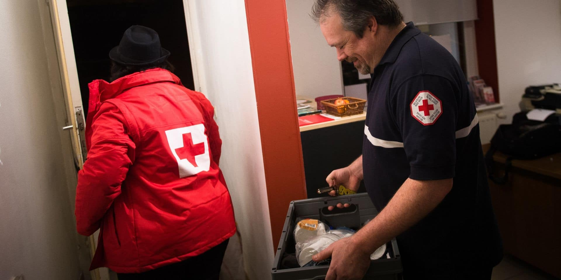 Coronavirus: la Croix-Rouge en renfort devant les urgences à Liège et Bruxelles pour faire un pré-tri