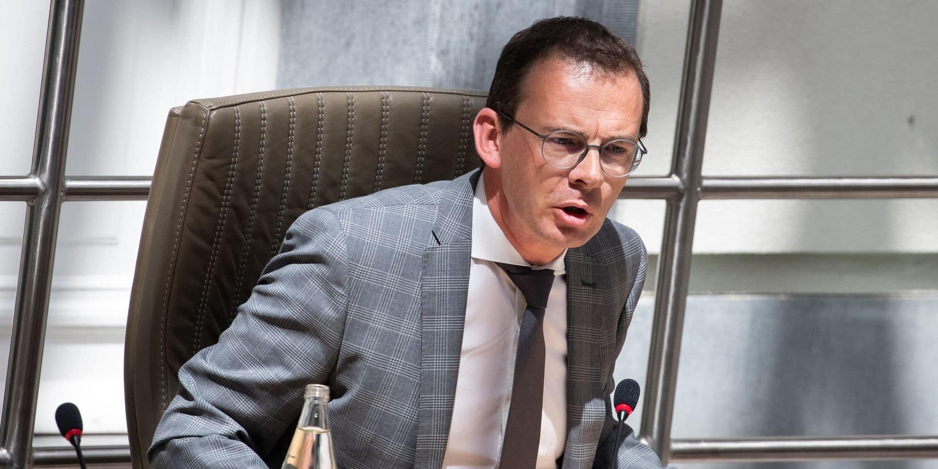 """""""Nous étions préparés à un virus, mais pas à celui-là"""": Wouter Beke, fortement critiqué par l'opposition, défend sa gestion de la crise du Covid-19"""