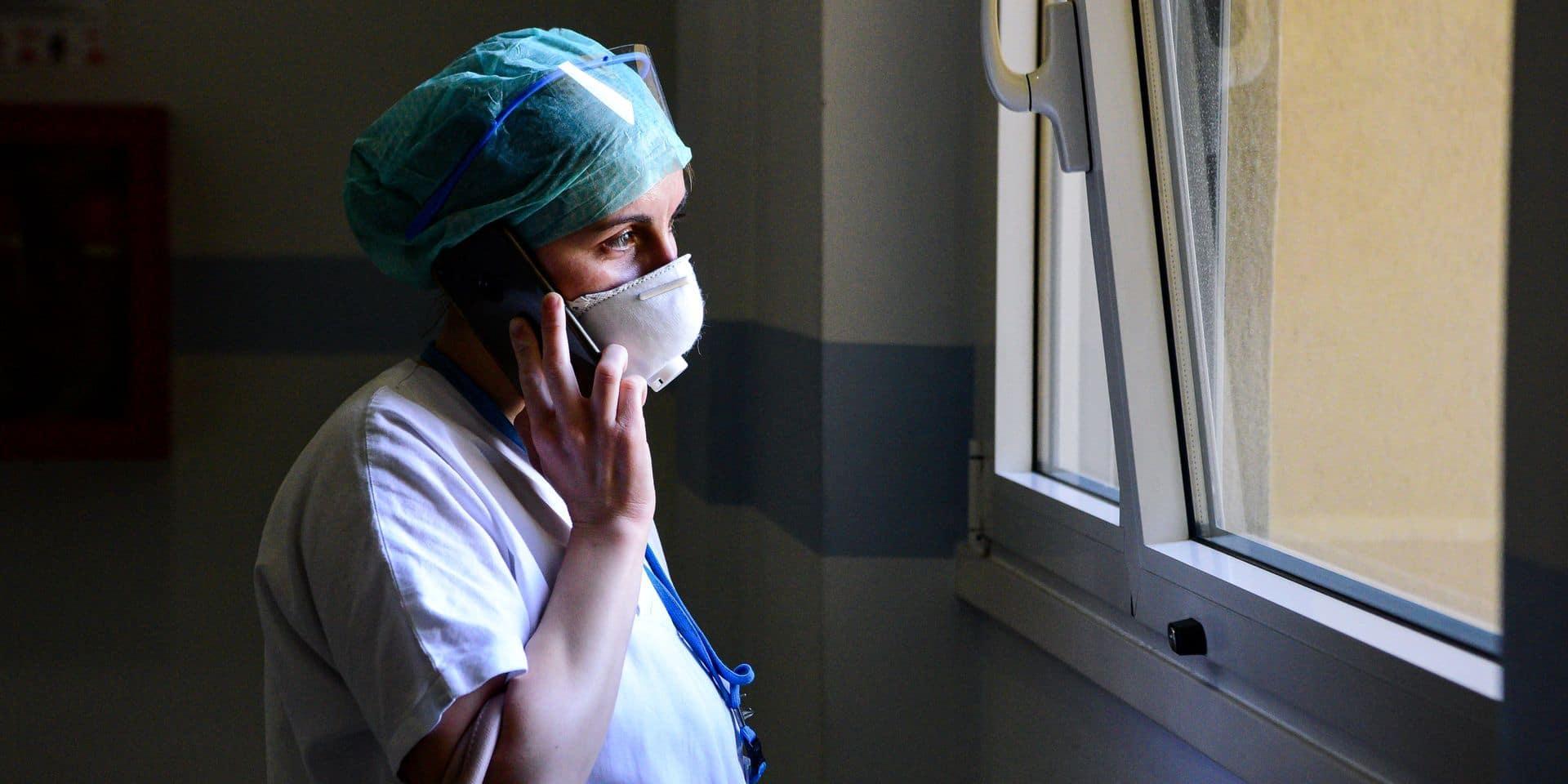 En Italie, le confinement porte ses fruits, le coronavirus ralentit