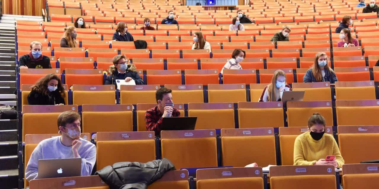 Résultats affolants à la faculté de psychologie de l'UCLouvain: seuls cinq étudiants sur 645 passent sans seconde session