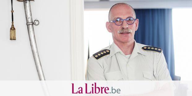 """De numéro deux à numéro un, quoi de plus logique ? Le futur chef de la Défense (Chod) sera donc bien le lieutenant-général Marc Compernol. """"Au niveau politique, il a le soutien de tous les partis, c'est essentiel, disait une source gouvernementale mardi. En plus, il a le soutien de l'Etat-Major."""""""