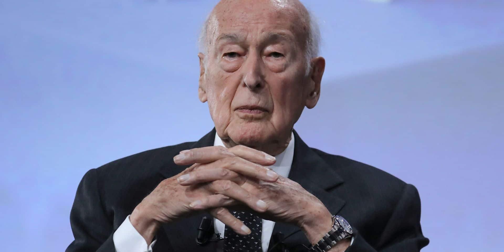 """L'ex-président Giscard d'Estaing est sorti de l'hôpital: """"Il se porte bien"""""""