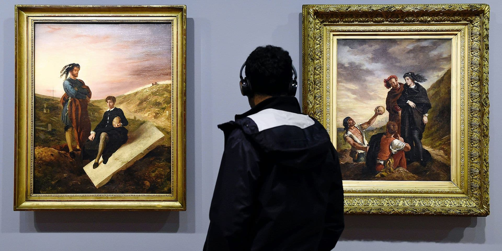 "©PHOTOPQR/L'EST REPUBLICAIN ; ART - CULTURE - PEINTURE FRANCAISE - EXPOSITION EUGENE DELACROIX - TABLEAU - TOILE - MUSEE DU LOUVRE. Paris 29 mars 2018. ""Hamlet et Horatio au cimetière"" (1835) et ""Hamlet et Horatio au cimetière"" (1839) dans l'exposition historique réunissant 180 oeuvres du peintre français Eugène DELACROIX (1798 - 1863) dans le hall Napoléon du musée du Louvre du 29 mars au 23 juillet 2018. PHOTO Alexandre MARCHI. - Paris, march 29th 2018. Louvre museum. Exhibition Eugene Delacroix (1798-1863) from March 29, 2018 to July 23, 2018 Eugène Delacroix was one of the giants of French painting, but his last full retrospective exhibition in Paris dates back to 1963, the centenary year of his death. In collaboration with the Metropolitan Museum of Art in New York, the Louvre is holding a historic exhibition featuring some 180 works-mostly paintings-as a tribute to his entire career."