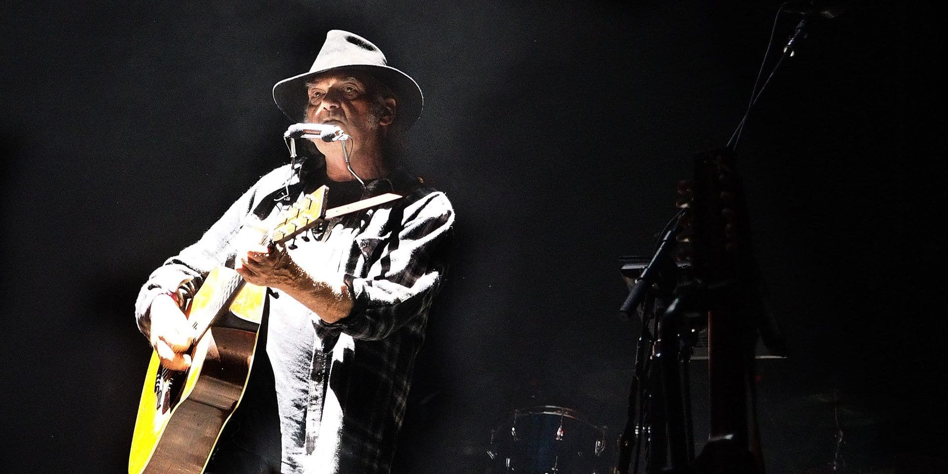 Après Bob Dylan, Neil Young vend une partie de ses droits