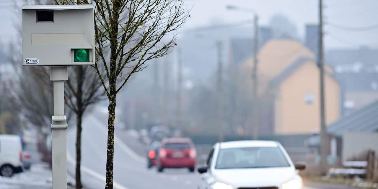 Contrôle radar vitesse circulation voiture auto trafic conducteur ville 50 permis sécurité PV procès verbal