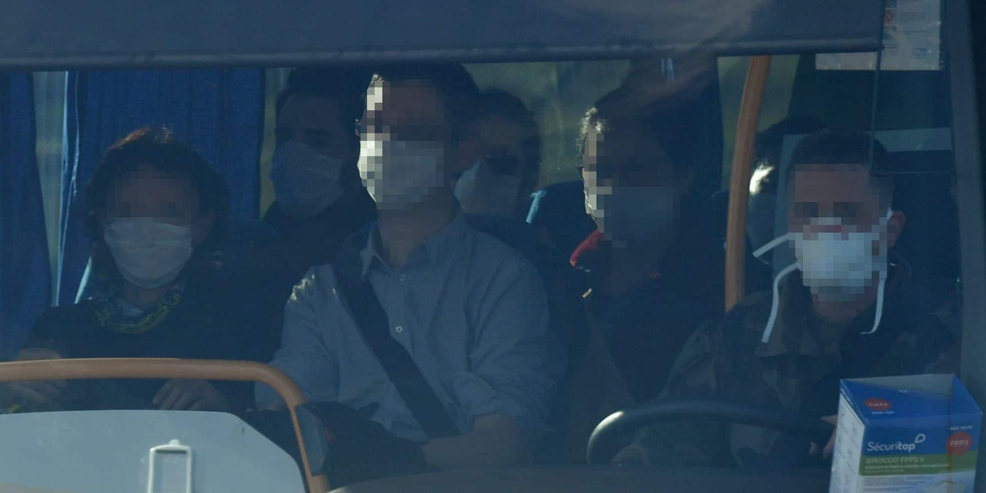 """Coronavirus: un passager de l'avion rapatriant des Français de Wuhan présente """"des symptômes"""""""