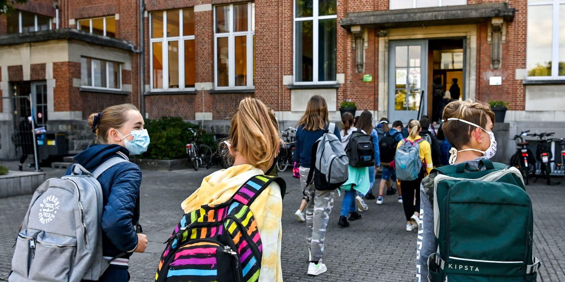 Une semaine à distance pour les élèves du secondaire en Flandre avant les vacances