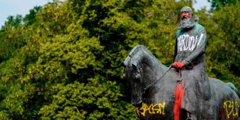 Faut-il déboulonner les statues de Léopold II ?