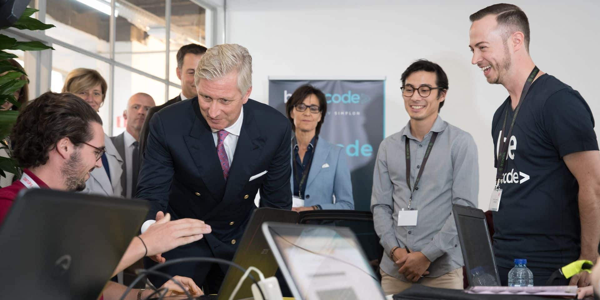 King Philippe - Filip of Belgium pictured during official inauguration of Becentral by the King of Belgium, Minister Alexander De Croo and the CEO of 'SNCB' 'NMBS' Wednesday 04 October 2017. BeCentral is a space (2000 m2) dedicated to the education to new technologies in Brussels city center. BELGA PHOTO BENOIT DOPPAGNE