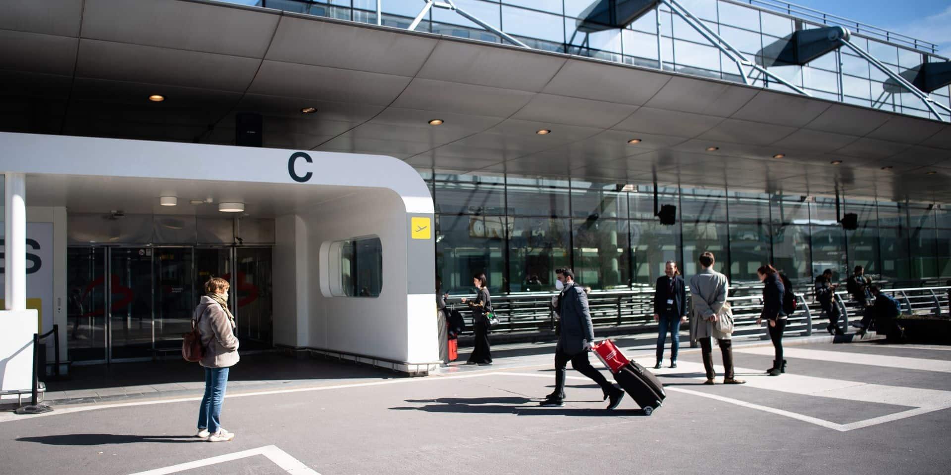 Brussels Airport assure suivre les directives du SPF Santé publique, malgré la polémique