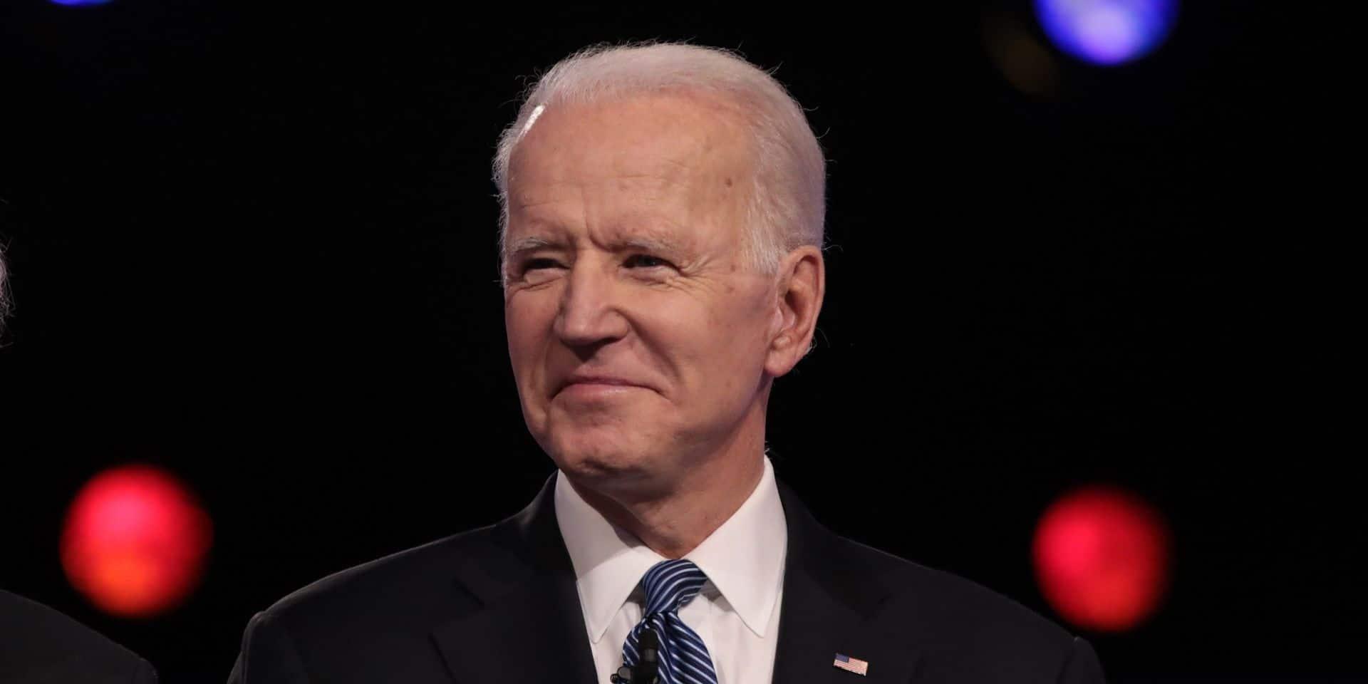 """Primaires démocrates: Joe Biden ressuscite à la faveur du """"débat de la dernière chance"""""""