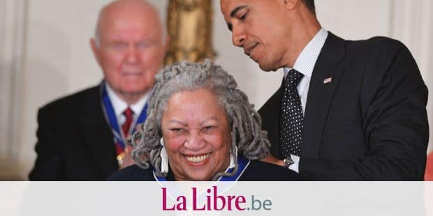 """(FILES) In this file photo taken on May 29, 2012 US President Barack Obama presents the Presidential Medal of Freedom to author Toni Morrison during a ceremony in the East Room of the White House in Washington,DC. - Toni Morrison, the first African American woman to win the Nobel Prize for Literature, has died following a short illness, her family said in a statement on August 6, 2019. She was 88. """"Although her passing represents a tremendous loss, we are grateful she had a long, well lived life,"""" they said. (Photo by Mandel NGAN / AFP)"""