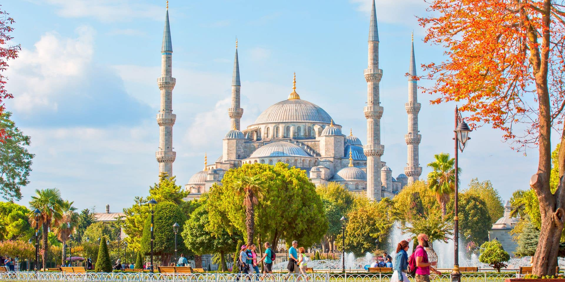 Istanbul,,Turkey,-,September,13,,2016:,The,Blue,Mosque,,(sultanahmet