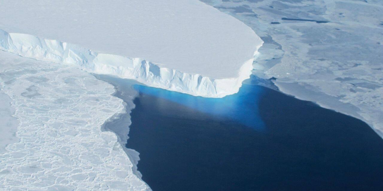 Lourdement touché par le dérèglement climatique, le Groenland veut en tirer profit