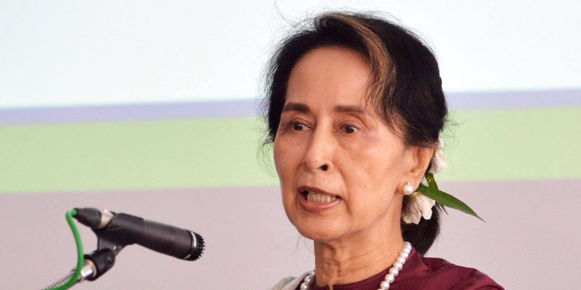 Birmanie: nouvelles accusations contre Aung San Suu Kyi, plusieurs villes en proie aux violences