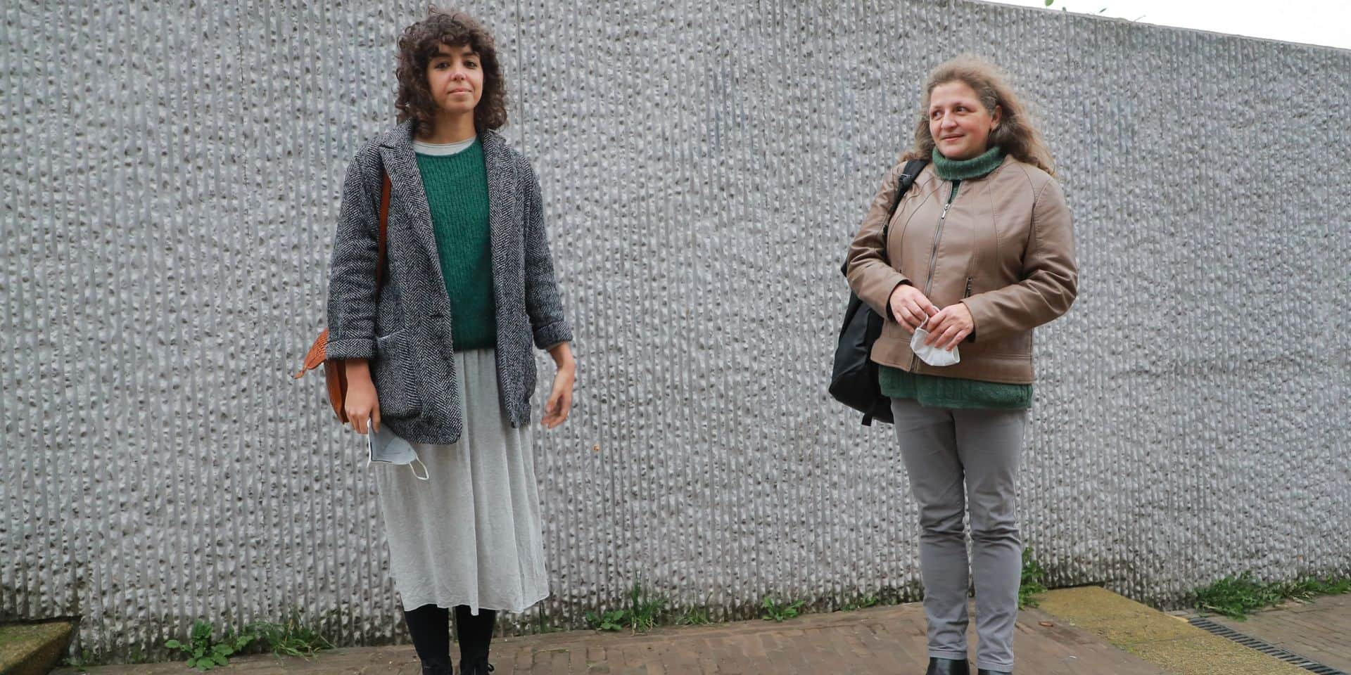 """CPAS de Molenbeek : deux conseillères du PTB pointent les mauvaises conditions de travail des assistants sociaux, """"ils sont dépossédés de leur métier"""""""